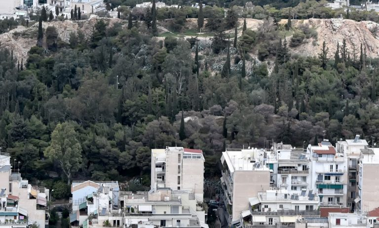 Τραγωδία στο λόφο του Στρέφη: Νεκρή γυναίκα από πτώση