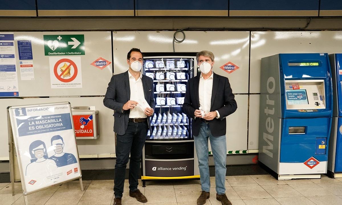 Μαδρίτη: Εγκατέστησε στο μετρό μηχάνημα με μάσκες και αντισηπτικά (pics) - Sportime.GR