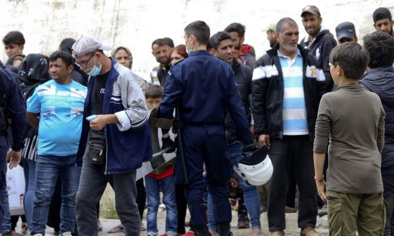 Πρόσφυγες και μετανάστες: Από την πλατεία Βικτωρίας σε Σκαραμαγκά-Σχιστό