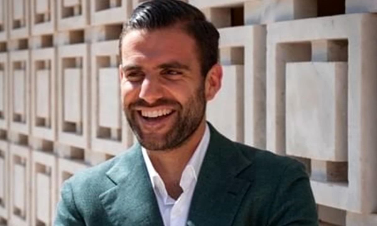 Ο Έλληνας σούπερ ατζέντης που μαγνητίζει την Ευρώπη