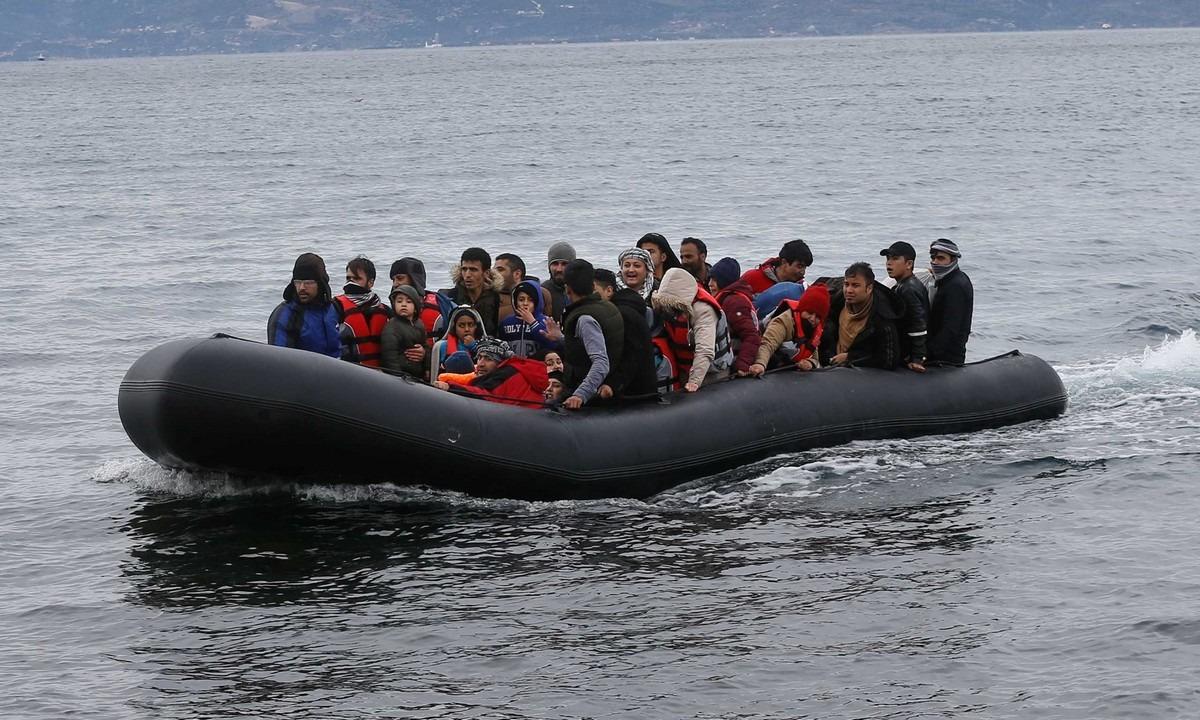 Δύο ακόμα βάρκες με πρόσφυγες πέρασαν στη Λέσβο