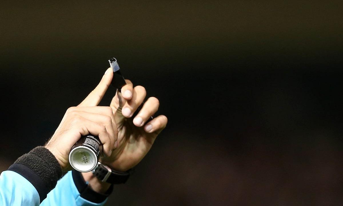 Super League: «Όχι» των διαιτητών στη μείωση - Sportime.GR