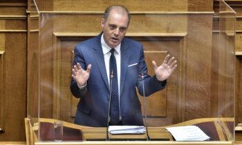 «Ελληνική Λύση» - Έξαλλος ο Βελόπουλος με τον Σκοπιανό διαιτητή στο ΠΑΟΚ-Ολυμπιακός