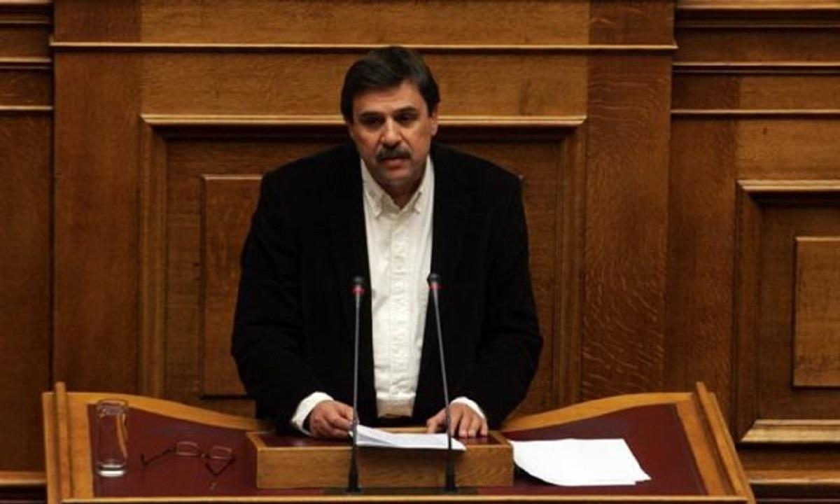 Αποθεώνει Τσιόδρα ο τομεάρχης του ΣΥΡΙΖΑ