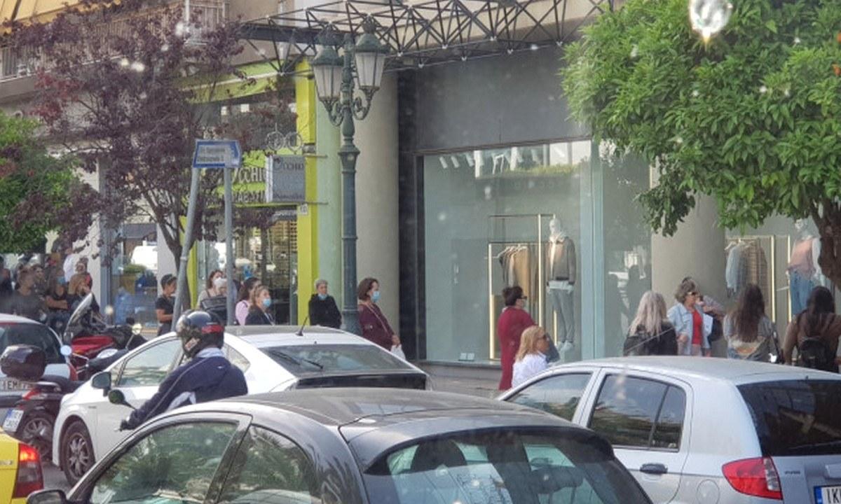 Άρση μέτρων: Γέμισαν τα Zara πριν καλά καλά ανοίξουν!