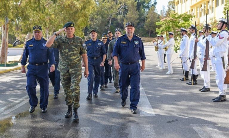ΓΕΕΘΑ-Αρχηγός: «Προς πόλεμο προπαρασκευή»