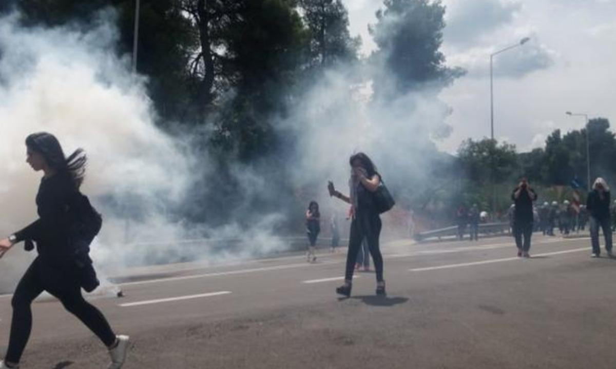 Μαλακάσα-Σκηνικό πολέμου: Αστυνομία εναντίον πολιτών για τους μετανάστες!
