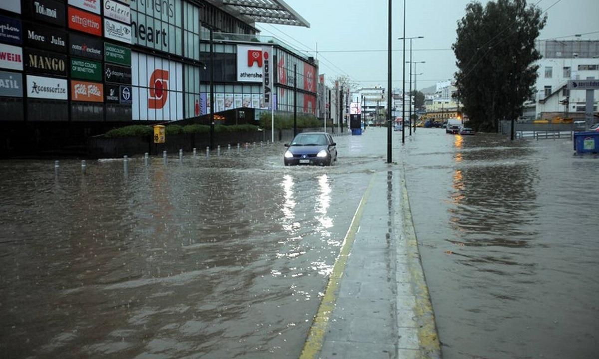 Καταιγίδα – Αθήνα: Έκλεισε η οδός Πειραιώς! - Sportime.GR