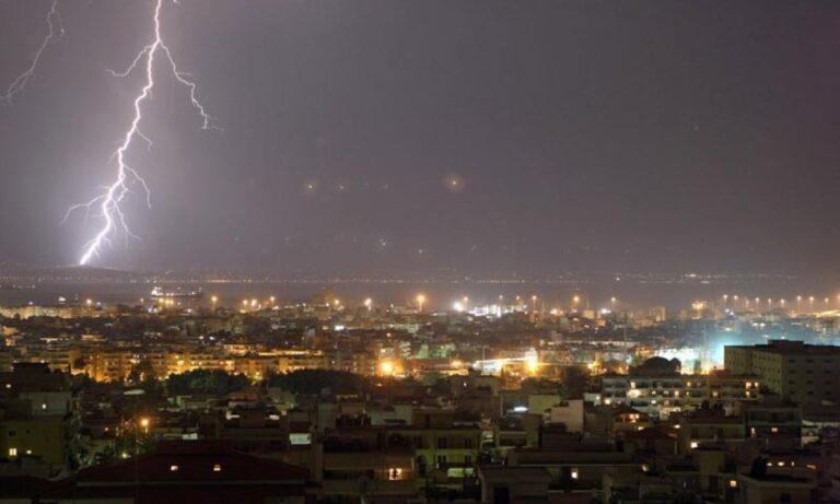 Θεσσαλονίκη: Σφοδρή χαλαζόπτωση, πλημμύρισαν δρόμοι (vids)
