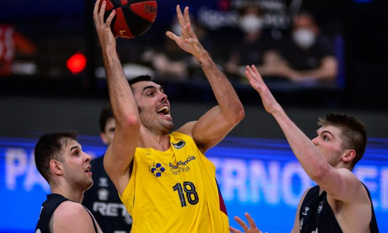 ACB: Έκανε το «4 στα 4» η Μπαρτσελόνα, νίκη θρίλερ για Μπασκόνια