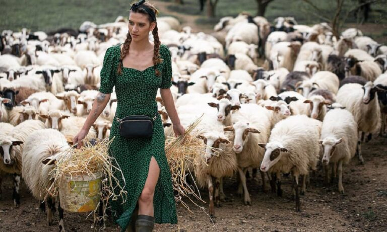 GNTM: Η αγρότισσα Μαρία ντύθηκε νυφούλα! (pics)