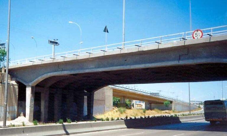 Κατεδαφίζεται η γέφυρα της Βαρυμπόμπης, μπαίνουν διόδια στην Κηφισιά