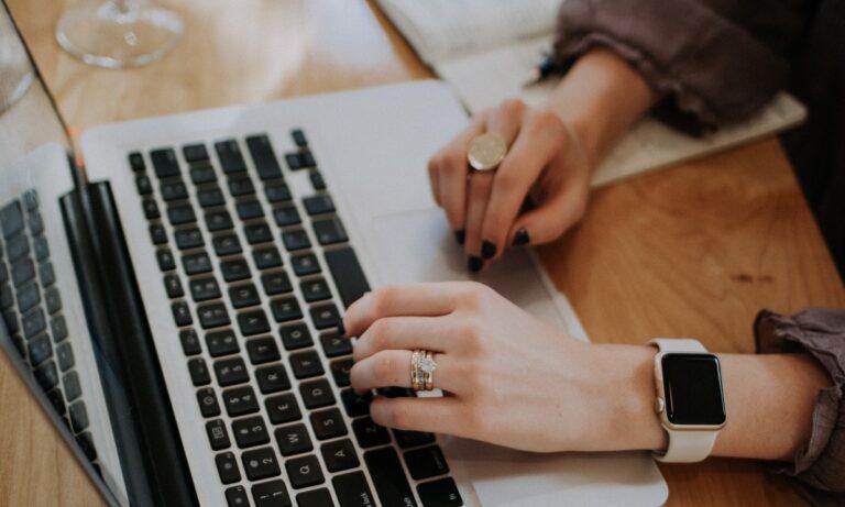 Ψηφιακά πιστοποιητικά μέσα σε λίγα λεπτά – Πότε θα εκδίδονται online οι άδειες γάμου και βάπτισης