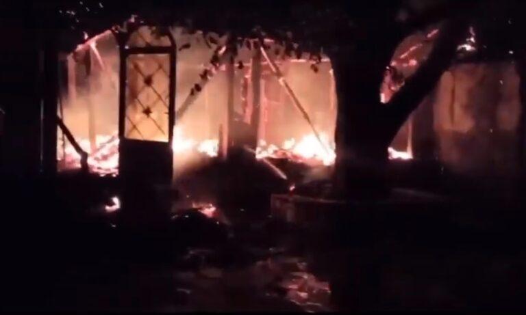Πυρκαγιά σε Ιερά Μονή στη Φωκίδα: Κάηκε η εικόνα της Παναγίας της Βαρνάκοβας (pic, vid)