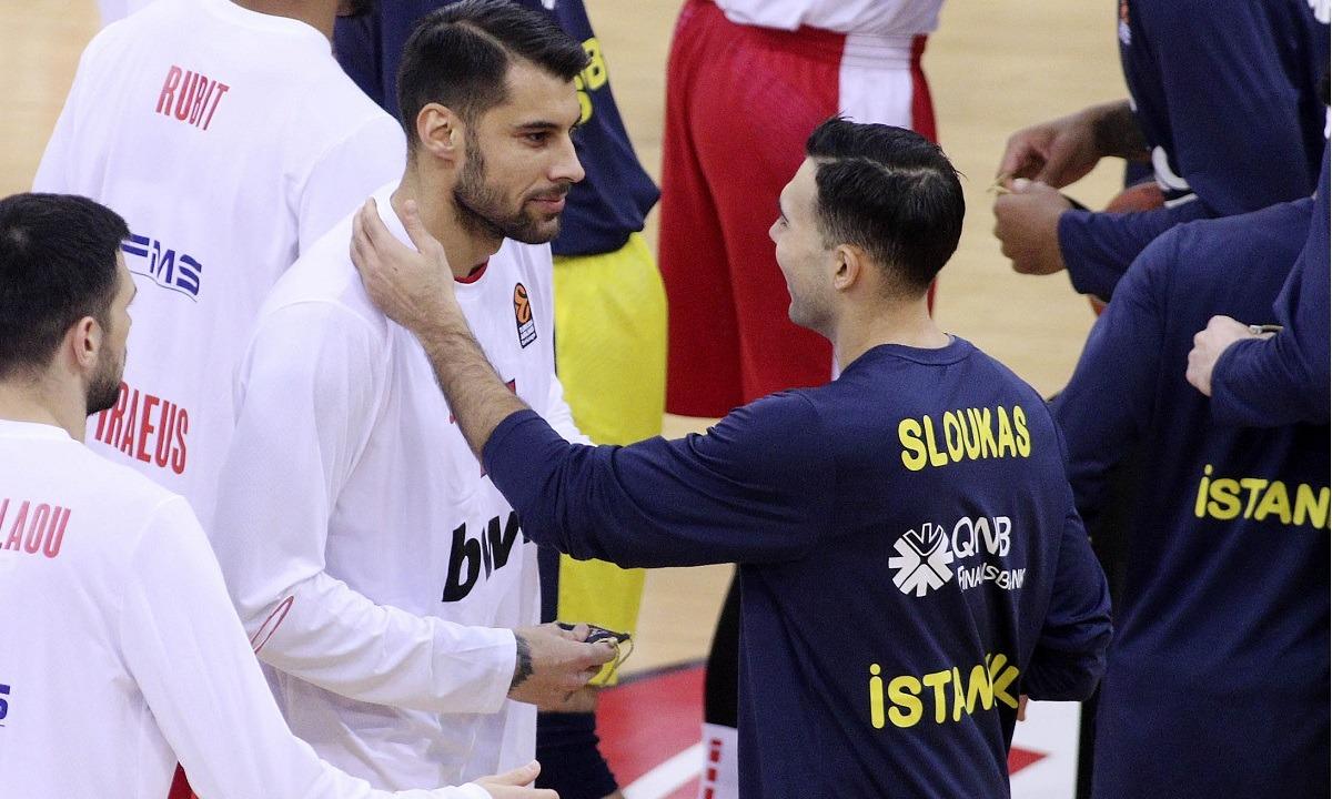 Fanatik: «Ο Ολυμπιακός ανακοινώνει σύντομα τον Σλούκα»
