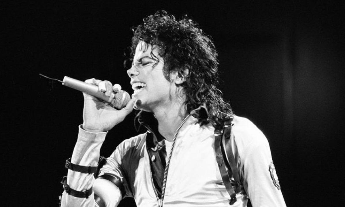 Μάικλ Τζάκσον: 11 χρόνια χωρίς τον μεγαλύτερο single artist στην ιστορία της μουσικής (vids)