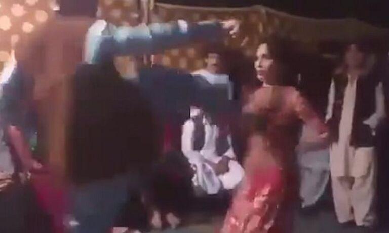 Απίστευτο βίντεο: Πακιστανός «εκτόξευσε» με κλωτσιά γυναίκα επειδή χόρευε!
