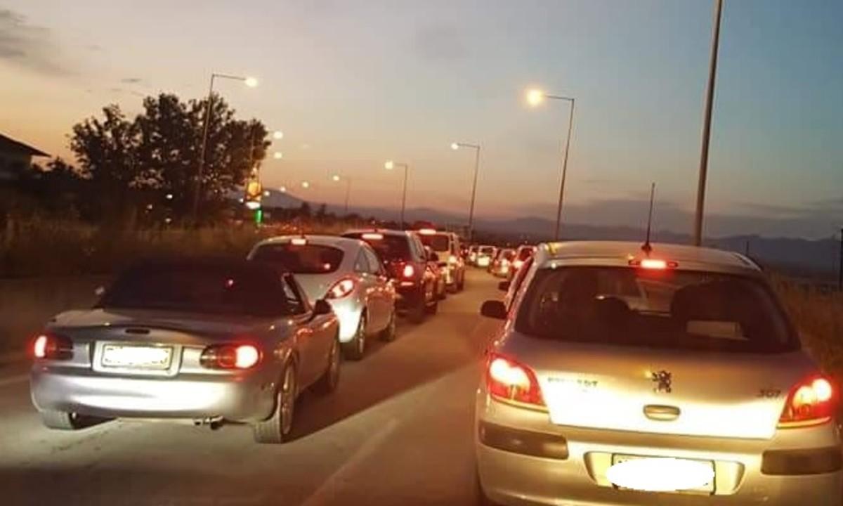 Θεσσαλονίκη: Τρελή κίνηση με την επιστροφή των εκδρομέων