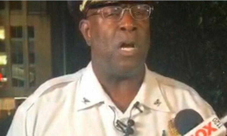 Σεντ Λούις: Τέσσερις αστυνομικοί τραυματίες – Έκλαψε on air o επικεφαλής τους (vid)