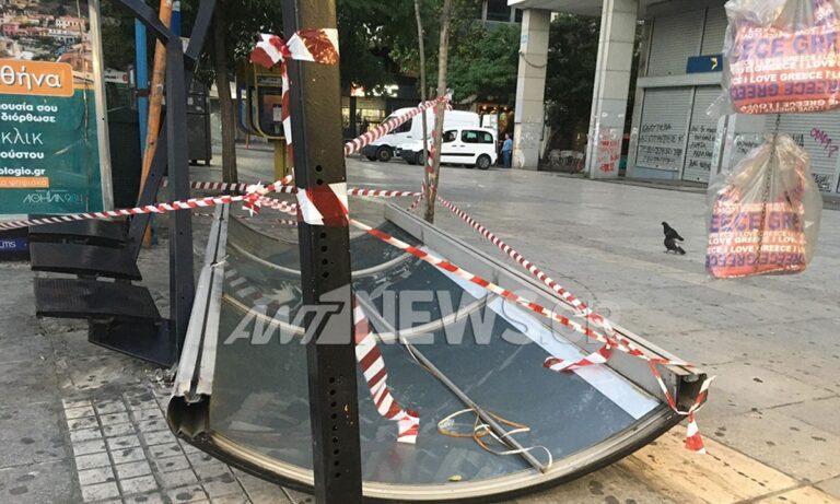 Σύνταγμα: Λεωφορείο έπεσε σε στάση, μία τραυματίας