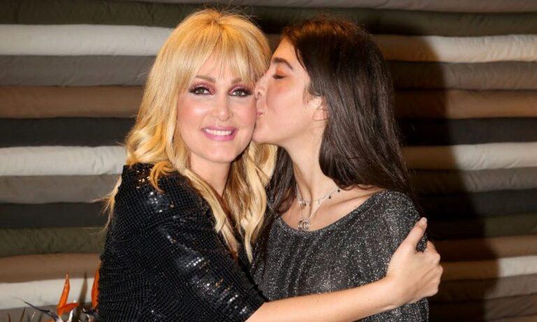 Η κόρη της Νατάσας Θεοδωρίδου: Συγκινητικές στιγμές και άλλα (vid-pics)