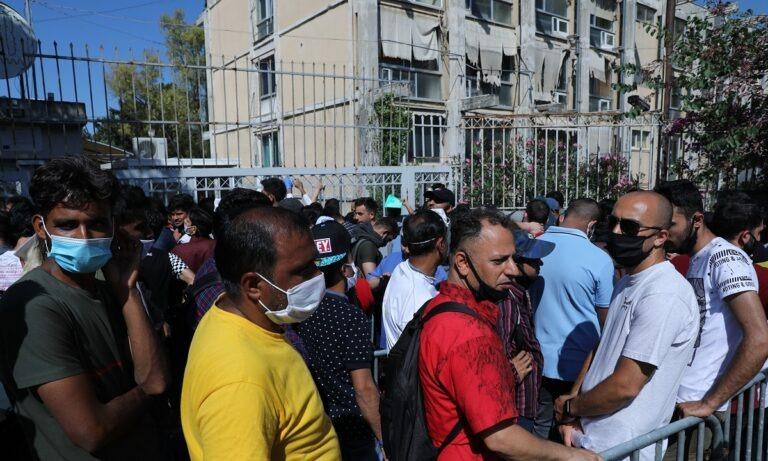 Υπηρεσία Ασύλου: Έκλεισαν την Κατεχάκη οι αιτούντες άσυλο μετανάστες (vid)