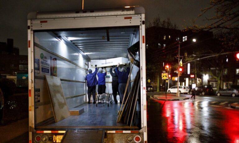 ΗΠΑ – Ασύλληπτο: Παρήγγειλαν φορτηγά ψυγεία λόγω αύξησης νεκρών από κορονοϊό