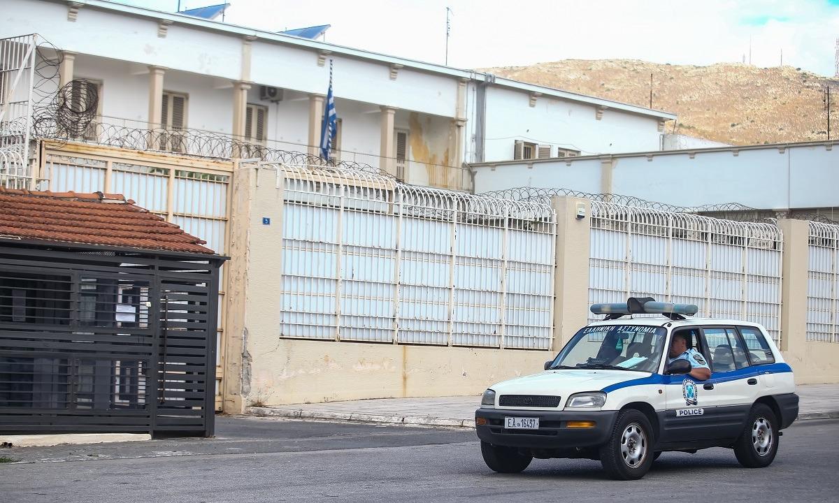 Φυλακές Κορυδαλλού: «Πάρτι» με σεξ, σουβλάκια και άφθονο αλκοόλ