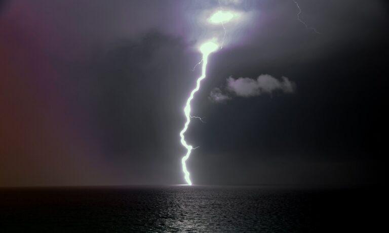 Έκτακτο δελτίο επιδείνωσης καιρού: Ποιος καύσωνας; Έρχονται καταιγίδες, ισχυροί άνεμοι και χαλάζι!