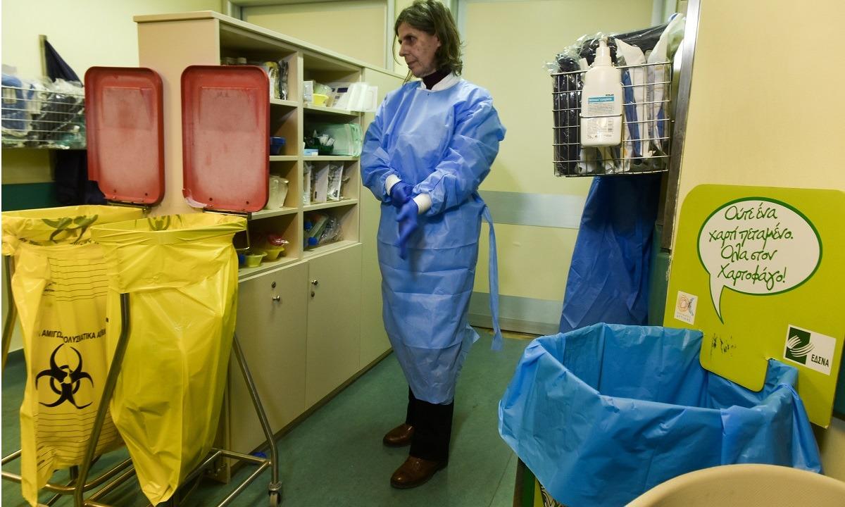 Κορονοϊός: Συγγενείς μπούκαραν σε νοσοκομείο για να πάρουν ασθενή με covid-19!