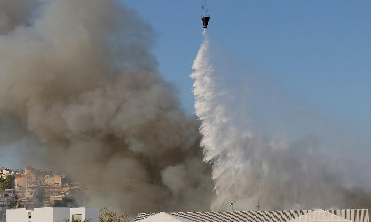 Κρήτη: Τρεις φωτιές στο νησί, απειλούνται σπίτια στην Κνωσό!