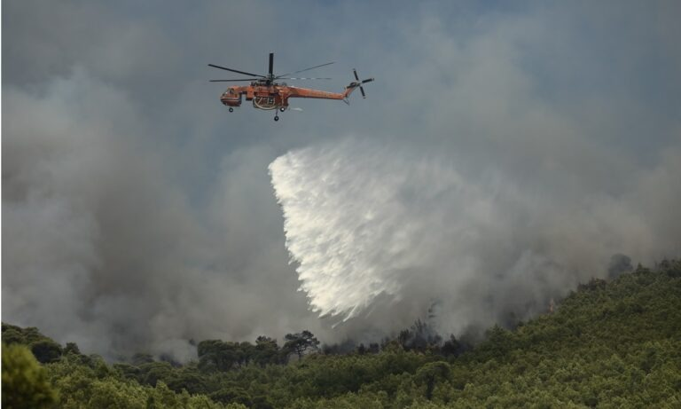 Φωτιά στο Λουτράκι: Νέα εστία κοντά στον Ισθμό (vid)