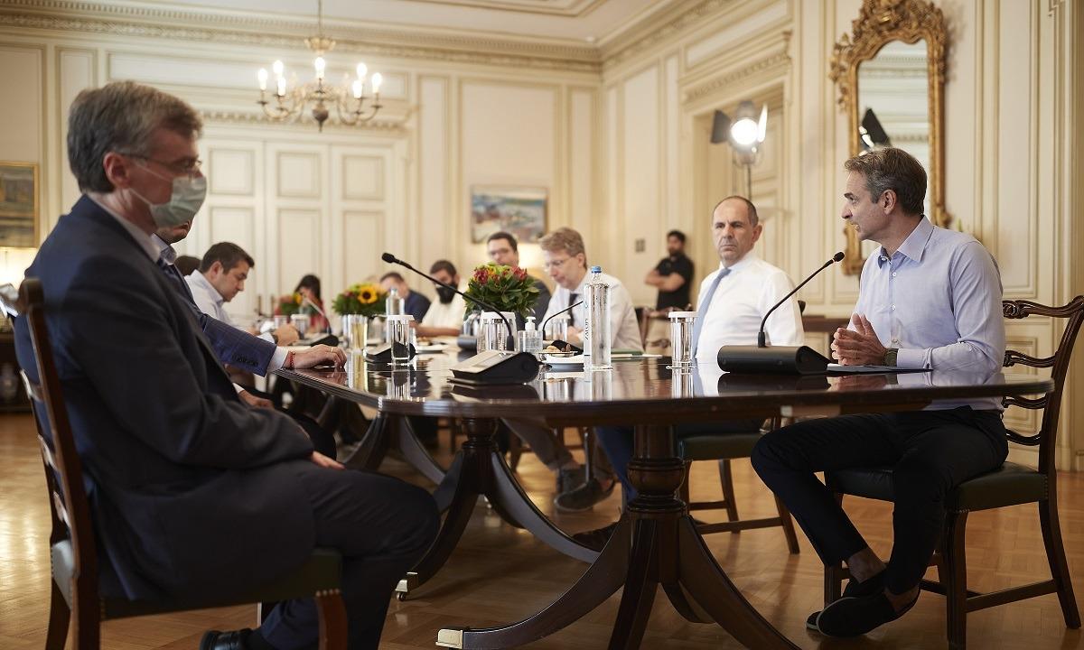 Κορονοϊός: Αυτά θα συζητηθούν στη σύσκεψη της Δευτέρας στο Μαξίμου – Το plan b