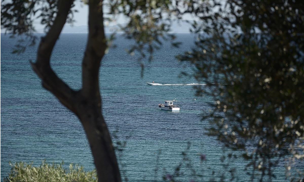 Χαλκιδική: Νεκροί δύο άνδρες σε παραλία (vid)