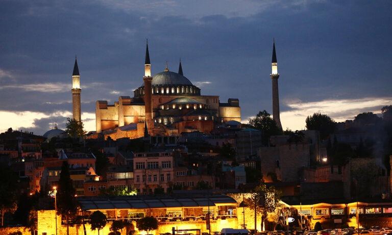 Αγία Σοφία: Οι Τούρκοι κάνουν νέο μουσείο και μεταφέρουν εκεί εικόνες και χριστιανικά αντικείμενα