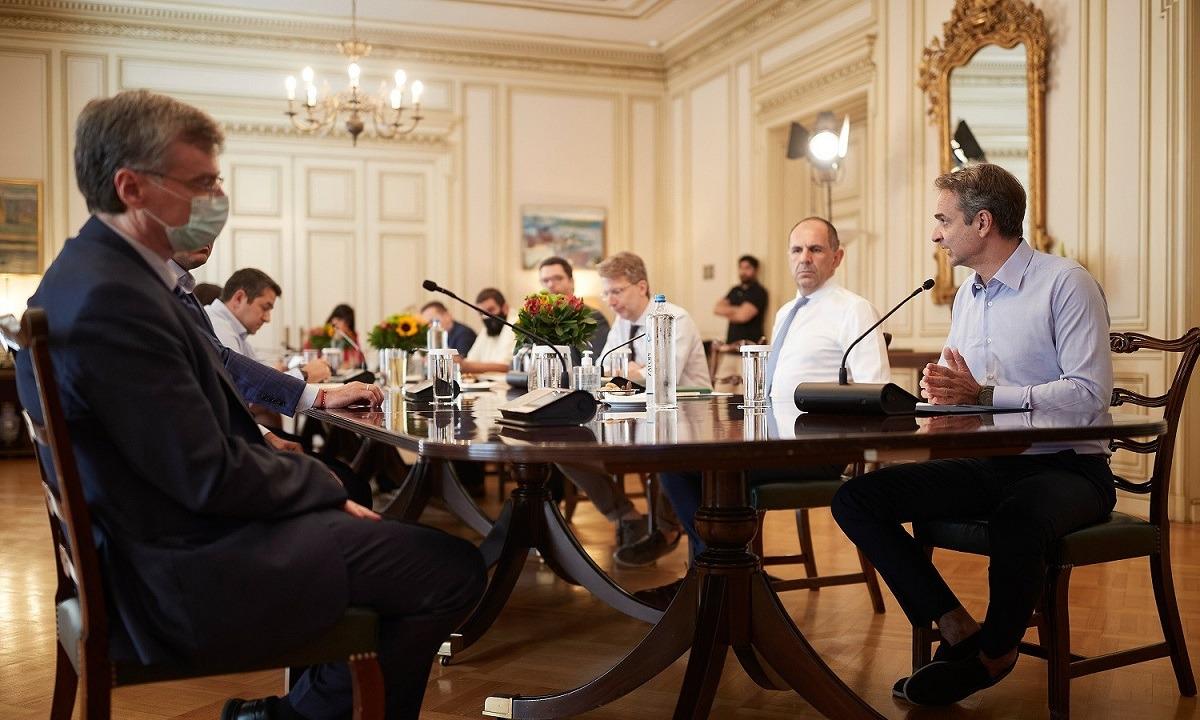 Κορονοϊός: Η κυβέρνηση παίρνει νέα μέτρα!