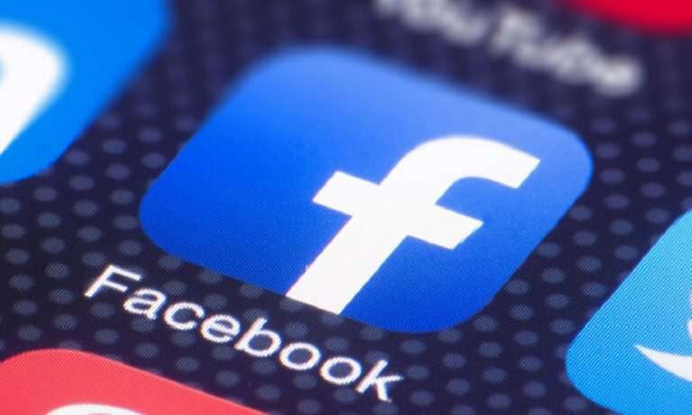 Facebook: Μποϊκοτάζ από τουλάχιστον 400 εταιρείες