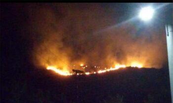 Φωτιά στο Πέραμα: Δεν υπάρχει ενεργό μέτωπο - Ερευνούν το ενδεχόμενο εμπρησμού
