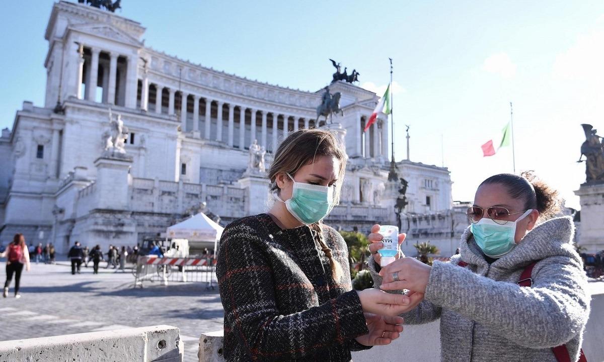 Ιταλία: Πρόστιμο 1.000 ευρώ σε όποιον δεν φορά μάσκα σε κλειστούς χώρους
