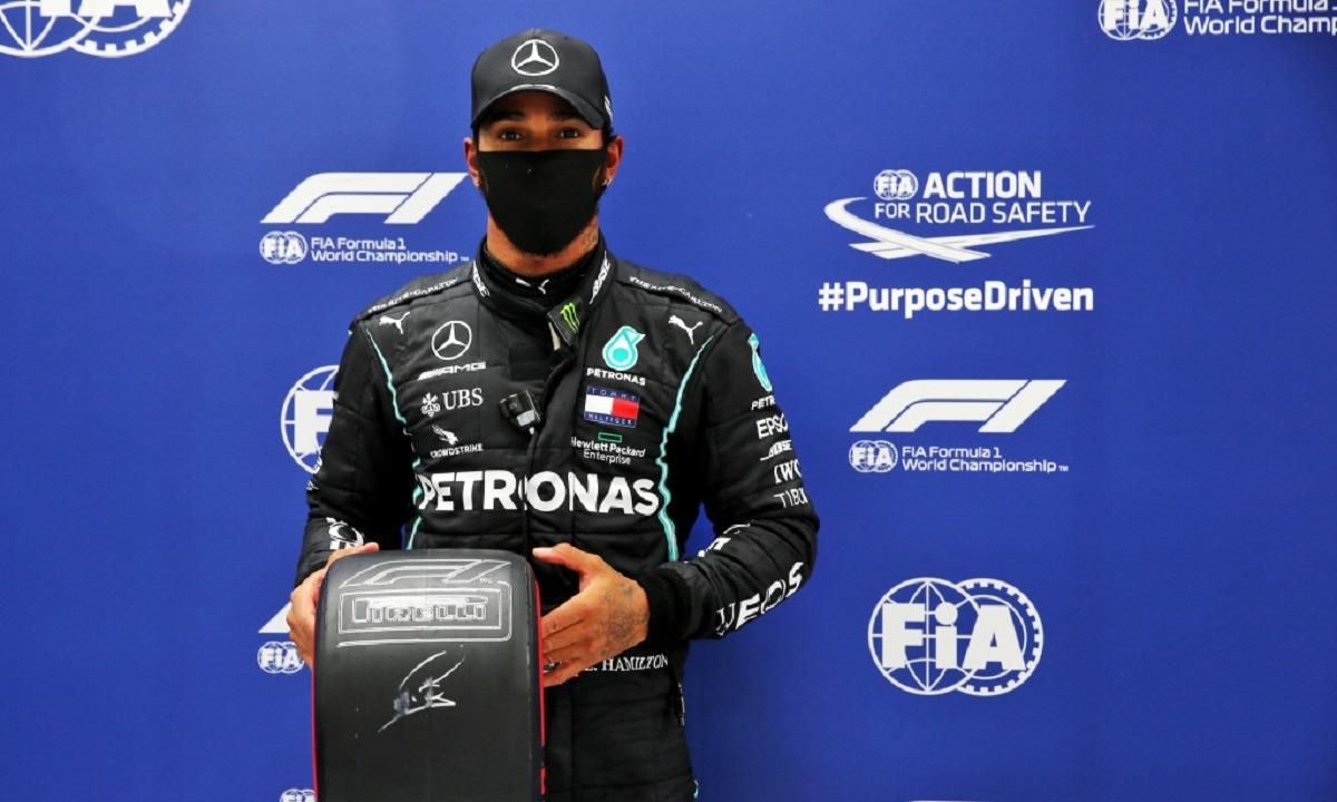 Formula 1: Την pole position ο Χάμιλτον, χορεύοντας στη βροχή