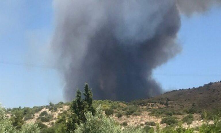 Φωτιά στο Λαύριο: Από δοκιμαστικές βολές στην ΕΒΟ ξέσπασε η πυρκαγιά, λέει ο δήμαρχος