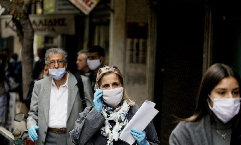 Χρήση μάσκας: Εισήγηση από επιστήμονες να επανέλθει σε όλους τους κλειστούς χώρους!