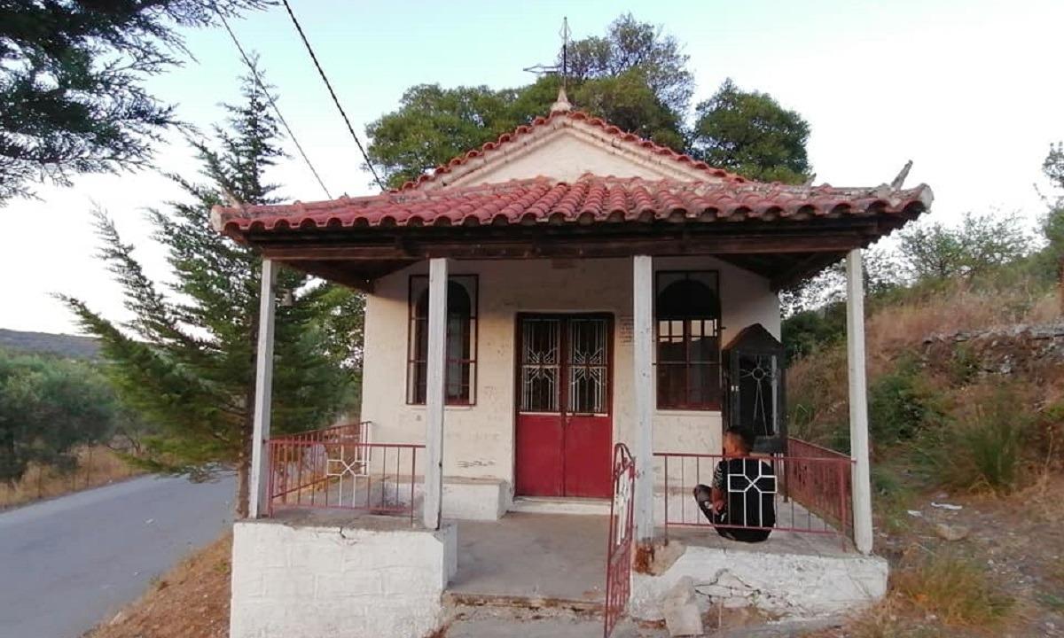 Μόρια: Νέος βανδαλισμός εκκλησίας στην περιοχή του Αγίου Σίλα (pics)