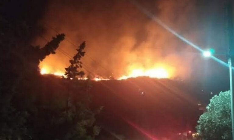 Φωτιά στο Πέραμα: Συνελήφθη 20χρονος για εμπρησμό από αμέλεια