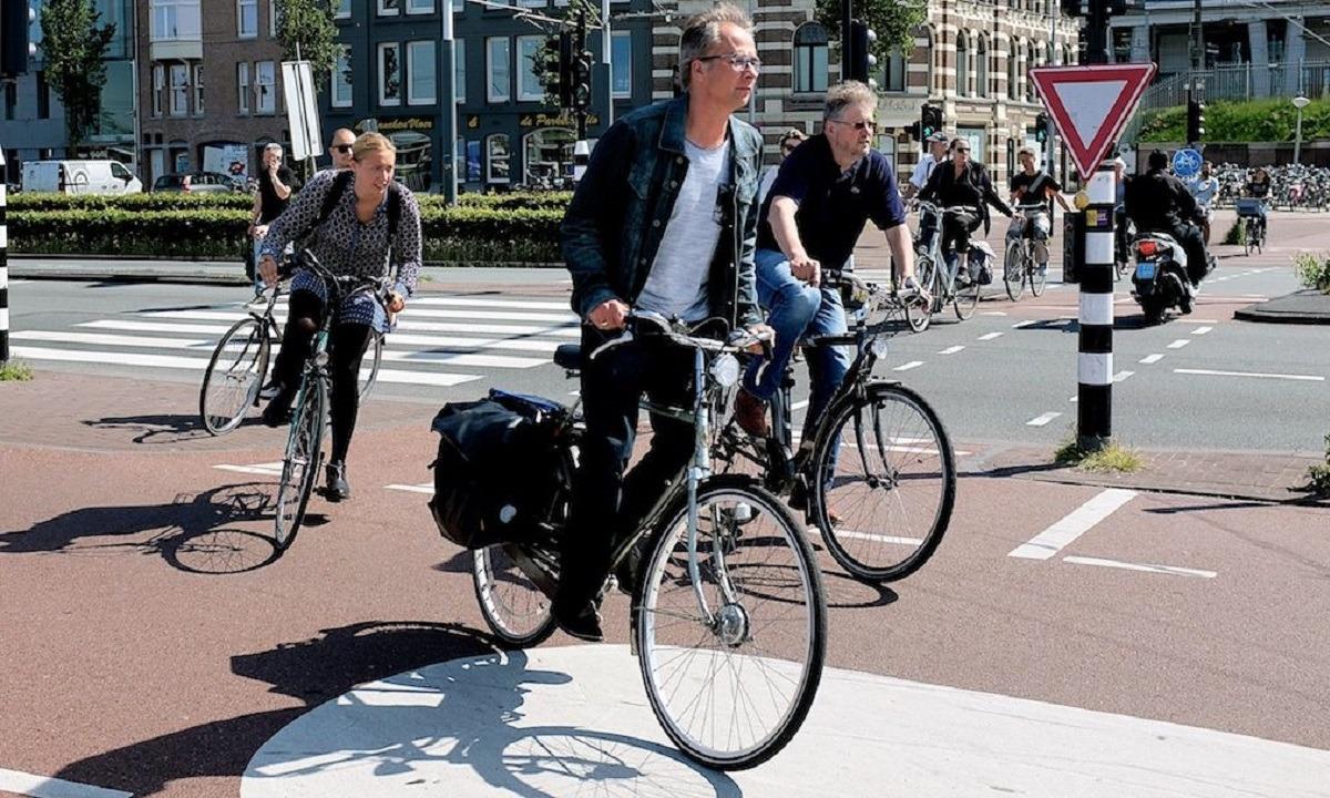 ΚΟΚ: Έρχονται αλλαγές – Υποχρεωτική χρήση κράνους για ποδηλάτες