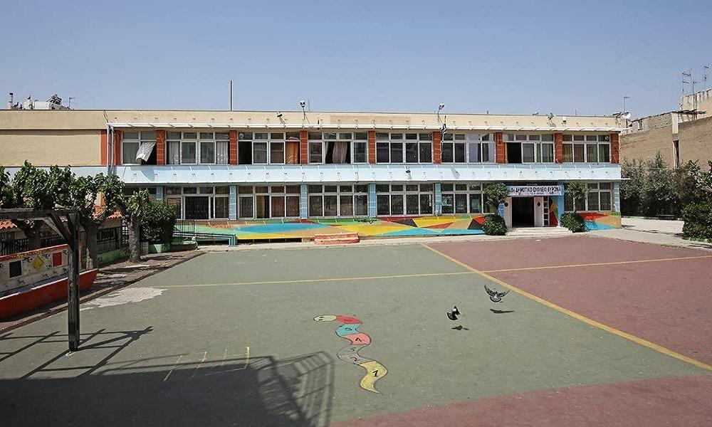 Πάτρα: Έριξαν βόμβες μολότοφ σε δημοτικό σχολείο!