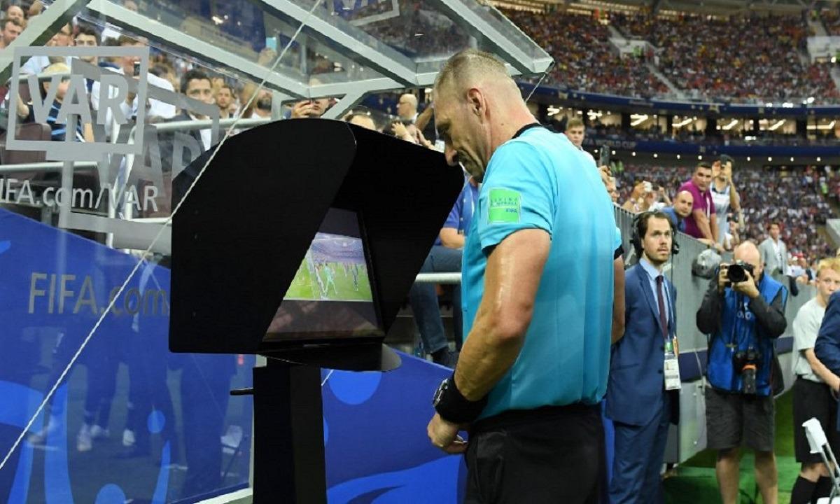 FIFA: Νέα τεχνολογία για το οφσάιντ, στόχος η επιτάχυνση του ελέγχου στο VAR