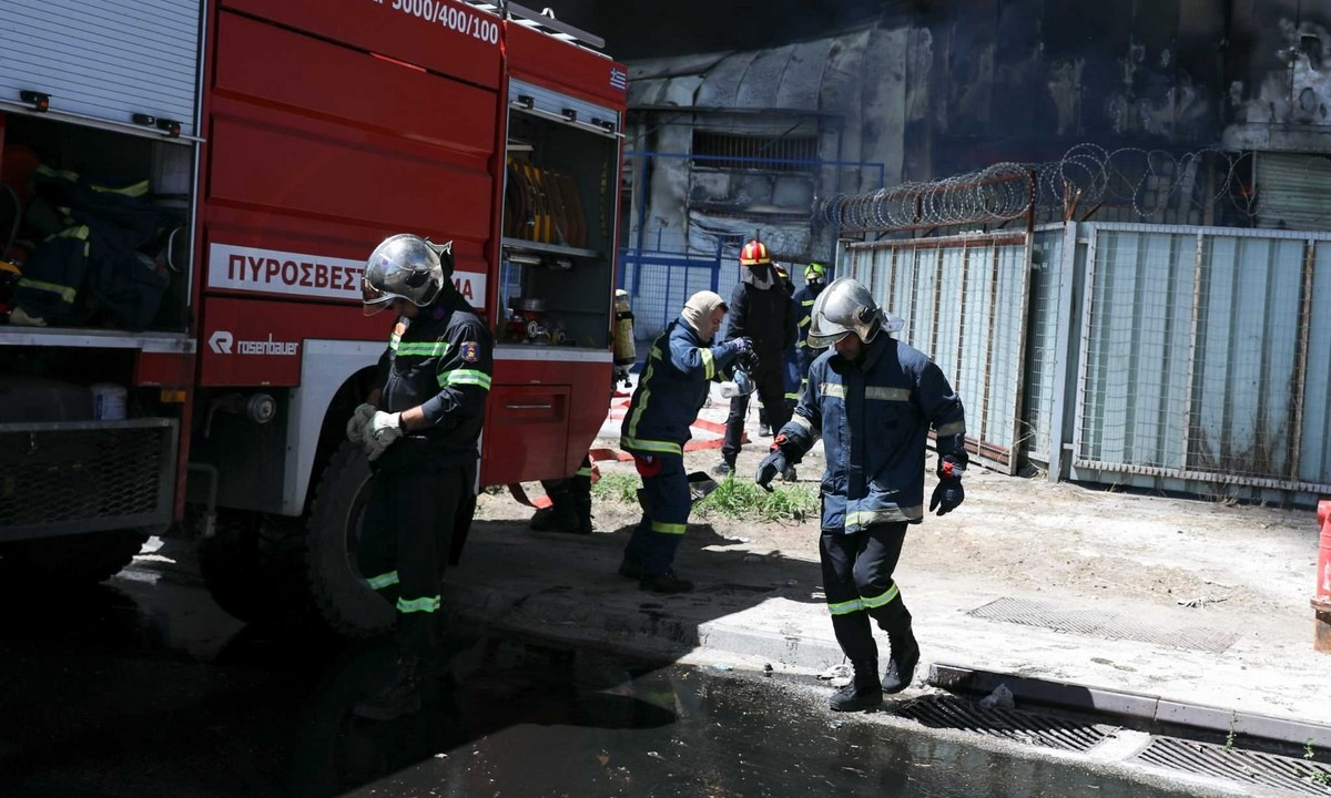 Τραγωδία στη Βάρη – Νεκρή γυναίκα από φωτιά σε μονοκατοικία