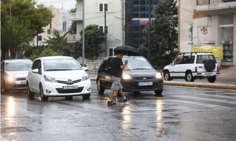 Καιρός 19/8: Έρχονται βροχές, ετοιμάστε ομπρέλες! (vids)