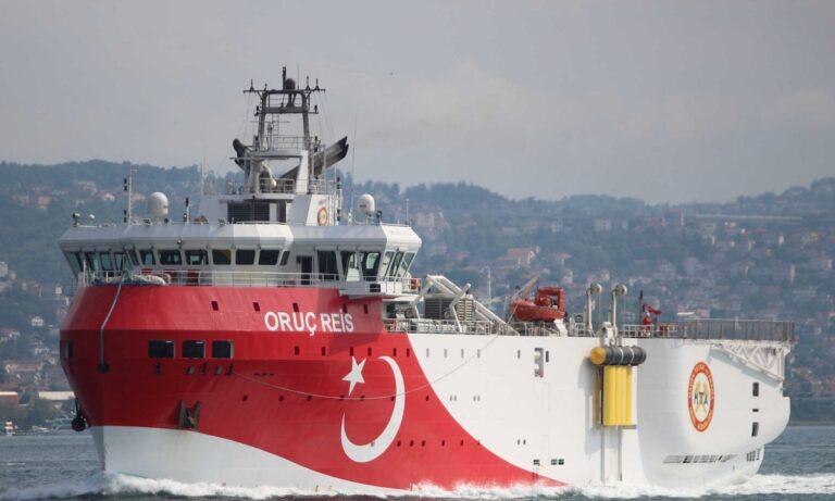 Oruc Reis: Απάντησαν στον ασύρματο οι Τούρκοι – «Είμαστε εντός της τουρκικής ΑΟΖ»